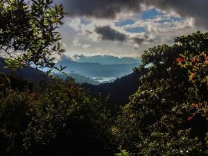 sri lanka adams peak trekking widok daleko od domu