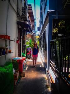 tajlandia bangkok adamaz house hotel uliczka