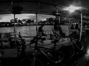 tajlandia bangkok grasshoppers adventures nocna wycieczka rowerowa prom