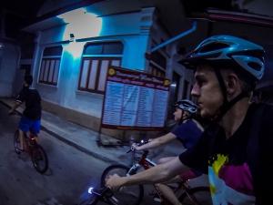 tajlandia bangkok grasshoppers adventures nocna wycieczka rowerowa uliczki razem