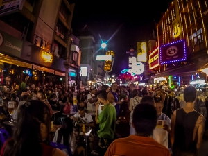 tajlandia bangkok khao san road backpacker noc
