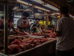 tajlandia chiang mai thai farm cooking school ruamchook market nauka gotowania mieso