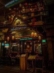 wietnam vietnam hanoi uliczki restauracja