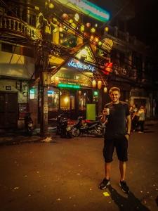 wietnam vietnam hanoi uliczki restauracja piwo marek