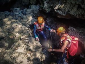 wietnam vietnam tu lan caves jaskinia tu lan phong nha ke bang oxalis trekking przewodnik