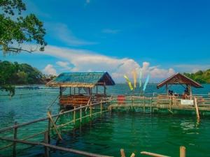 filipiny camiguin restauracja owoce morza