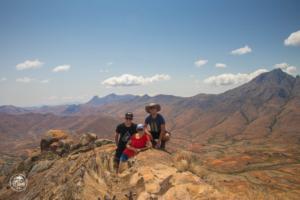 madagaskar madagascar mount chameleon trekking tsaranoro massif szczyt wszyscy