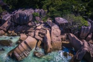 seszele seychelles la digue dron drone skaly w wodzie