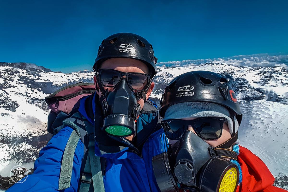 villarrica wulkan trekking chile pucon maski