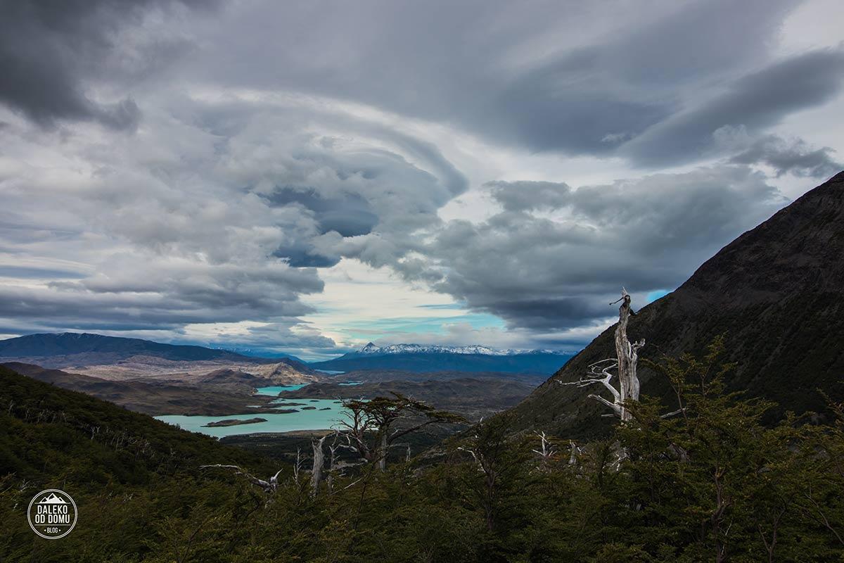 torres del paine patagonia trekking w french glacier widok